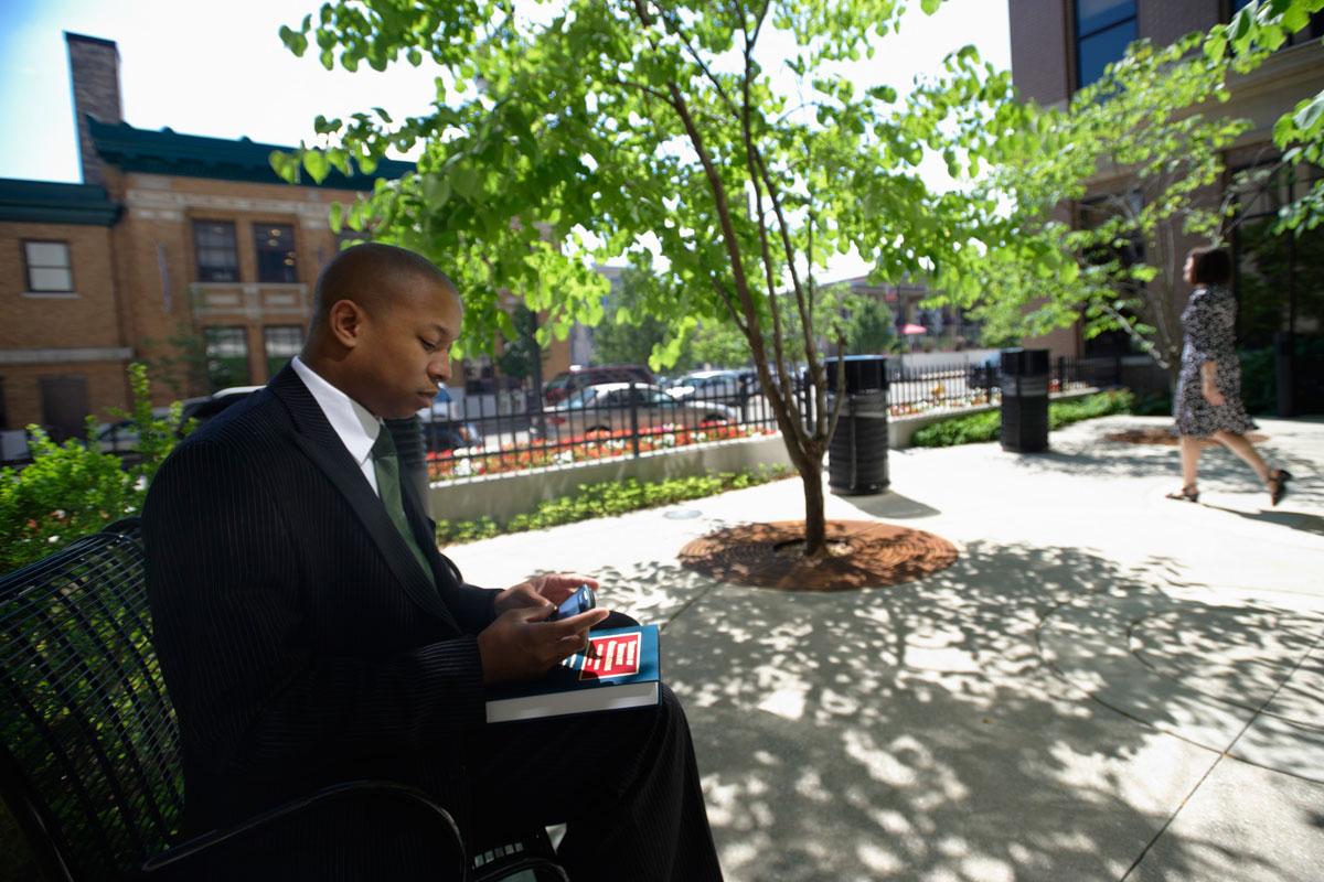 WMU-Cooley Grand Rapids campus courtyard