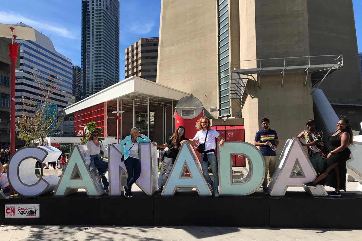 WMU-Cooley Study Abroad students enjoy Toronto!